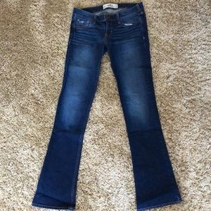 2/$12 Hollister 5R Dark Wash Jeans Flare